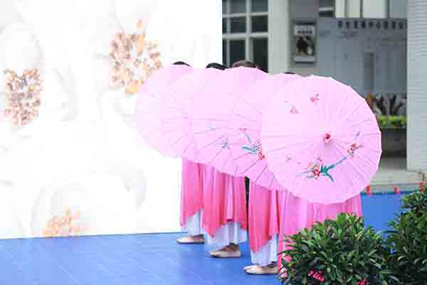 为科技,世界最强无人机首次进校园,这所中学也蛮拼的-焦点中国网