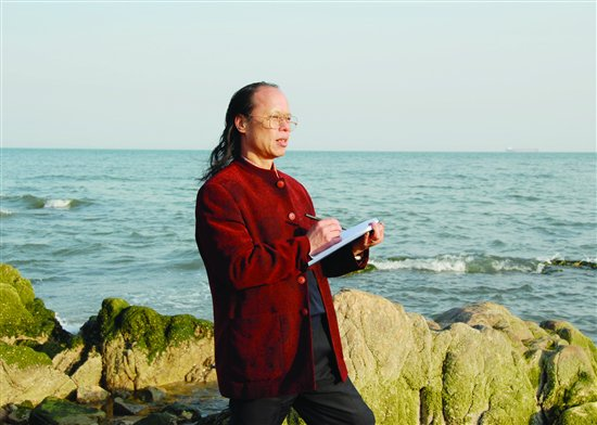 中国大海画派开创者周智慧走进盛世收藏
