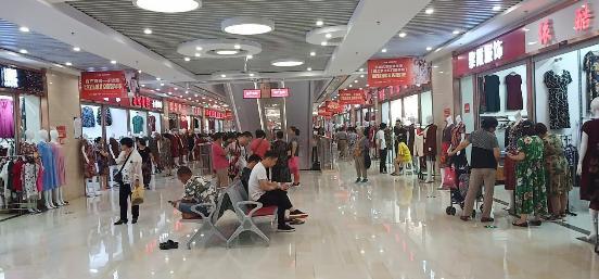 燕赵大地上的商贸明珠 乐城北京服装早市喜迎开市一年