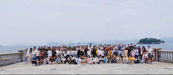 感恩于心,回馈于行!2020,杭州启缘网络向快乐出发…
